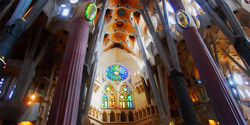 the-unfinished-beauty-of-barcelonas-sagrada-familia